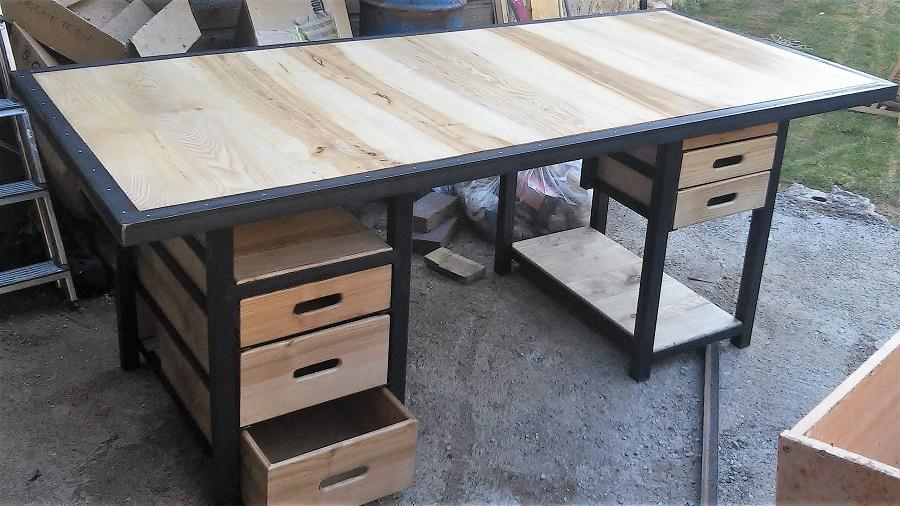 Bureau monumental bois-métal