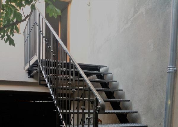 Escalier métallique classique sur mesure
